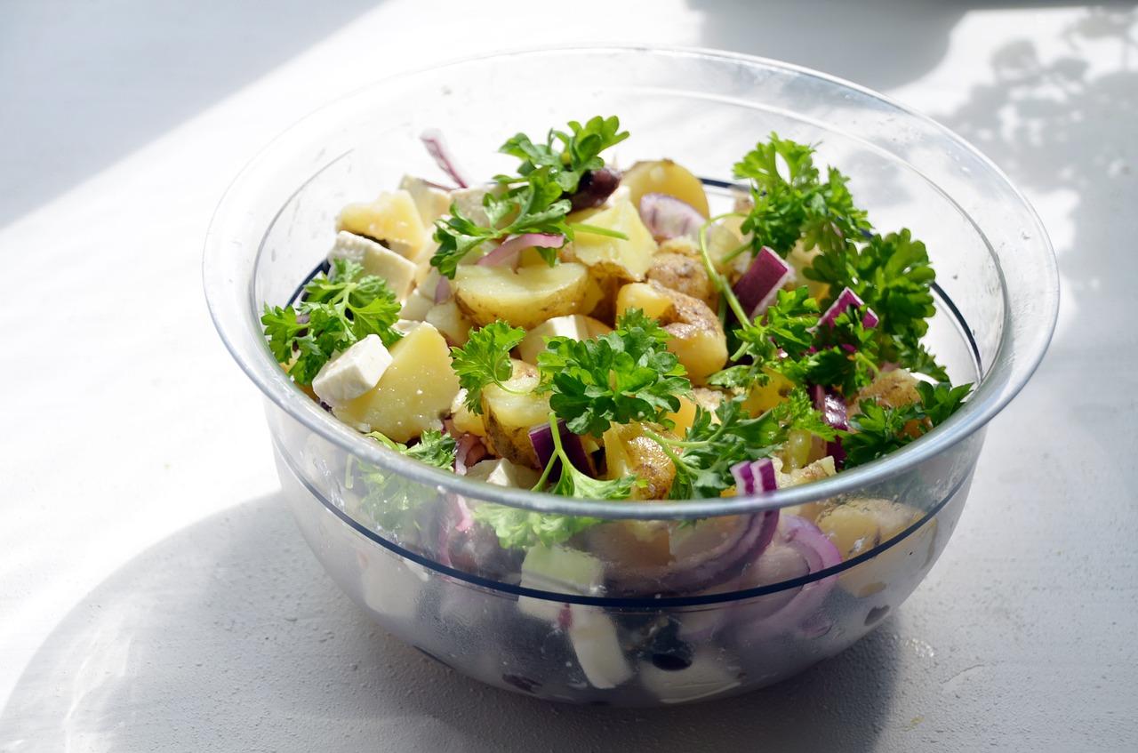 Super Healthy Quinoa Broccoli Salad